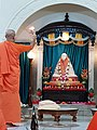 Mangal Arati in the temple.jpg