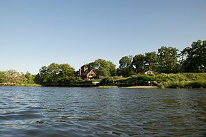 Manhasset Bay - Image: Manhasset Bay East Side Easte by Leeds Pond