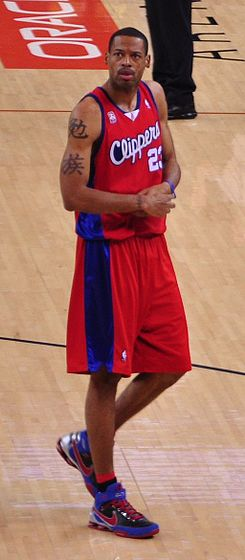 Marcus Camby Clippers cropped.jpg