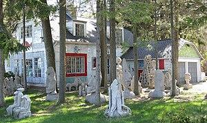 Mary Nohl Art Environment - Image: Mary Nohl House May 09