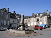 Mayenne - Place Saint-Vincent - Fontaine.jpg
