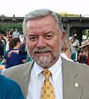 Mayor Tom Potter in August 2008.jpg