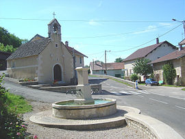 place Lacuzon, the fountain and the chapel (1164)