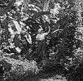 Mevrouw Joy Boogh in de voormalige Jodensavanna aan de Surinamerivier, Bestanddeelnr 252-6930.jpg