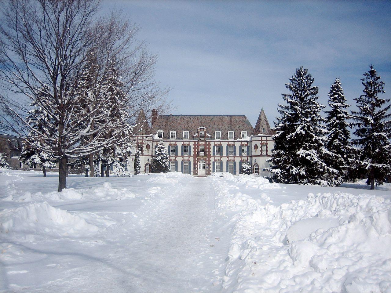 Middlebury College - Le Chateau.jpg
