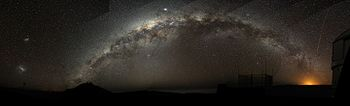 English: The Milky Way arch emerging from the ...