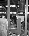 Minister Van Aartsen opent nieuwe fabriek aan Hemweg, Bestanddeelnr 913-4025.jpg