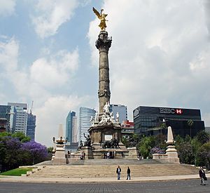 The Amazing Race 3 - The Angel of Independence monument in Mexico City was the first destination in The Amazing Race 3.