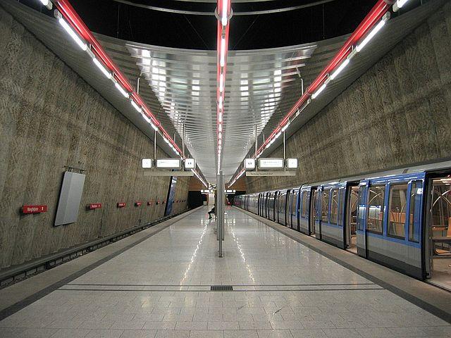 Munich subway Mangfallplatz