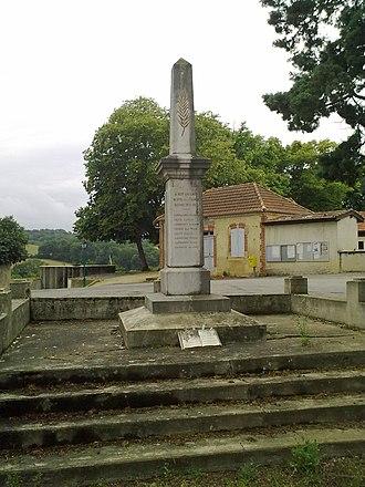 Aydie - The War Memorial
