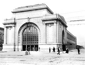 Southern Railway Terminal (New Orleans) - Southern Railroad Terminal from Canal Street