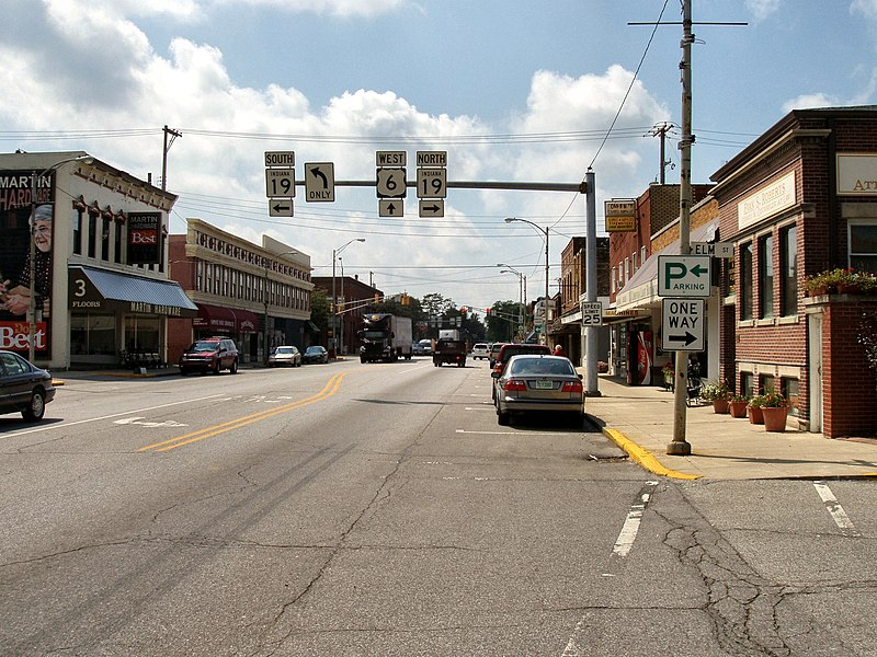 File:Nappanee-indiana-downtown.jpg