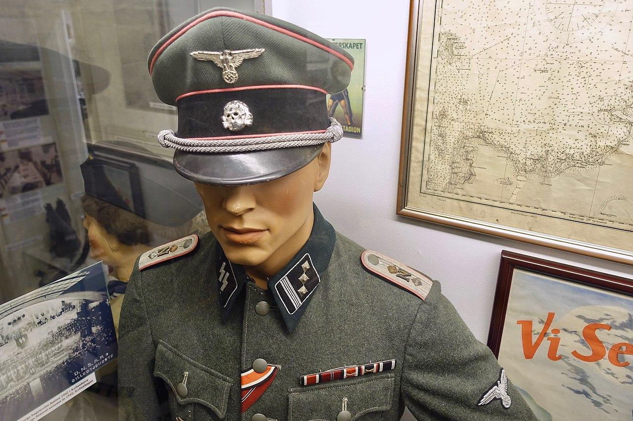 File:Nazi German Waffen-SS uniform, visor skull (Totenkopf) cap