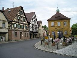 Zentrum von Neunkirchen mit Fachwerkhäusern und dem alten Amtshaus an der St.-Michaelskirche (rechts außerhalb des Bildes)