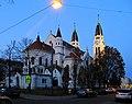 Neusimmeringer Pfarrkirche am Abend.jpg