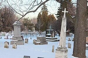 Oakwood Cemetery (Niagara Falls, New York) - Oakwood Cemetery in Winter