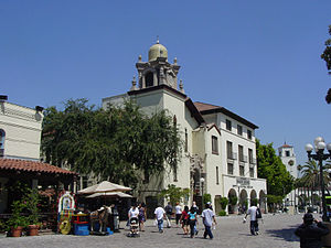 Olvera Street - Entrance to Olvera Street (left), Los Angeles.