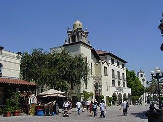 Olvera Street - Entrance to Olvera Street (left), Los Angeles.