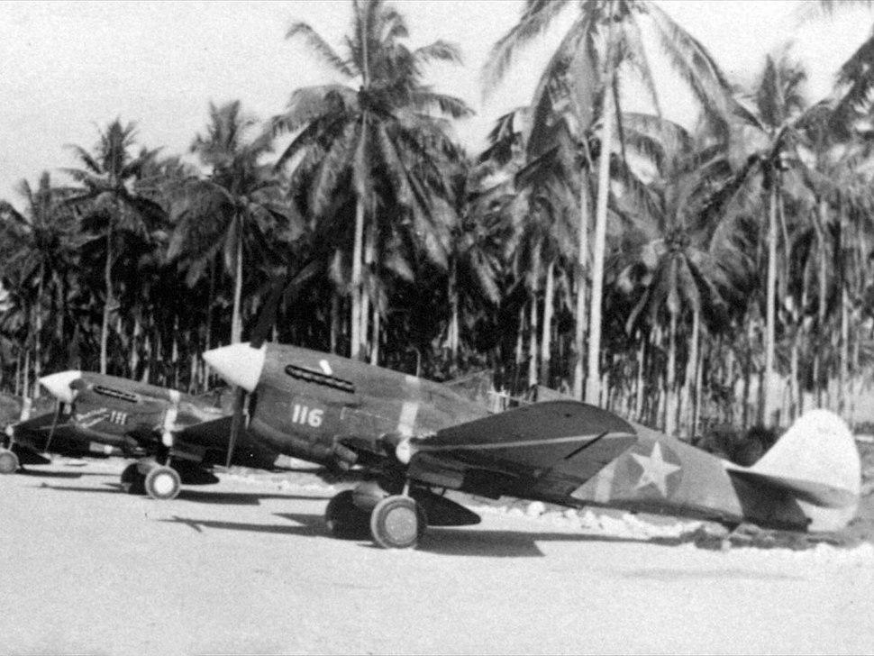 P-40-flightline-201024