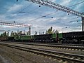 PE2M-113 (dump cars and locomotive), Asbest station.jpg