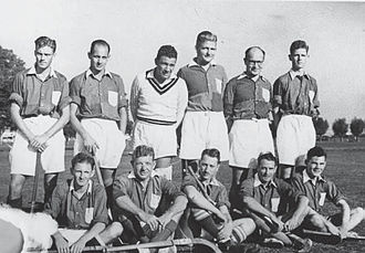 Club Atlético Ferrocarril General San Martín - 1943 Men's field hockey team, using the square uniform.