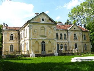 Fredro (Bończa) - Image: Palac Fredro 1