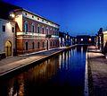 Palazzo Bellini nell'ora blu - Comacchio.jpg
