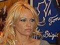 Pamela Anderson 14 février 2008 (cropped).jpg