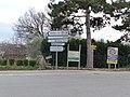 Panneaux de direction à Valensole.jpg