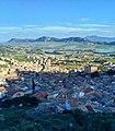 Panorama con il lago e la Rocca Busambra sullo sfondo.jpg