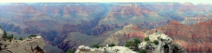 Panorama du Grand Canyon de soir.JPG