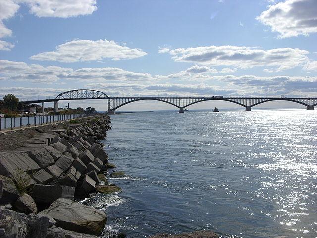 The Peace Bridge, from Buffalo, NY By Doug Kerr from Albany, NY, United States (101908 702) [CC BY-SA 2.0 (http://creativecommons.org/licenses/by-sa/2.0)], via Wikimedia Commons