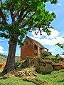 Petite maison rouge, Antananarivo, Madagascar (25814881010).jpg