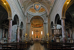 Collegiate Church of St. Martin, Pietrasanta - The nave.