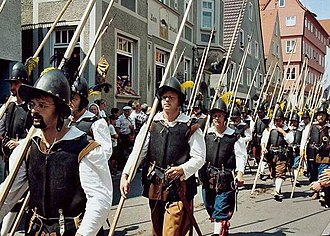 Pike (weapon) - A modern recreation of a mid-17th century company of pikemen. By that period, pikemen would primarily defend their unit's musketeers from enemy cavalry.
