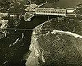 Pont Jean-Florian Grenon et centrale hydroélectrique d'Isle-Maligne, Alma (Québec).jpg