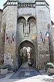 Porte médiévale à Manosque.jpg