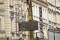 Praha, Smíchov, Anděl, rekonstrukce trati v Nádražní ulici, nakládání starých panelů II.JPG