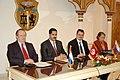 Première réunion du groupe de «l'initiative de la Communauté des démocraties» (6868909421).jpg