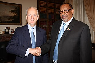 Ahmed Mohamed Mohamoud - Mohamoud meeting with the UK Foreign and Commonwealth Office Minister Henry Bellingham in London (2011).
