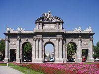Puerta de Alcalá (fachada este).jpg