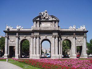 Puerta de Alcalá (fachada este)