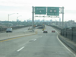 Pulaski Skyway northbound Broadway exit.jpg