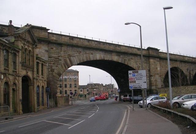 Railway Bridge MDL1 19 - A638 - Halifax Road - geograph.org.uk - 691173