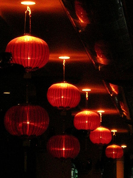 What Type Of Paint Do You Use On Paper Lanterns
