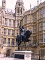 Richard I of England statue.jpg