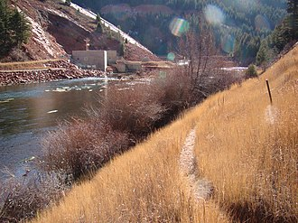 Ruedi Reservoir - Image: Rocky Fork Day Use area along the Fryingpan River