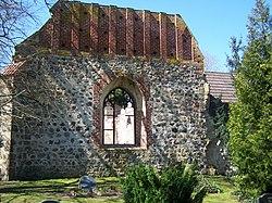 Roloffshagen, Kirchenruine (2008-04-20).JPG
