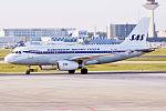 SAS (Retro Livery), OY-KBO, Airbus A319-132 (26555258156).jpg