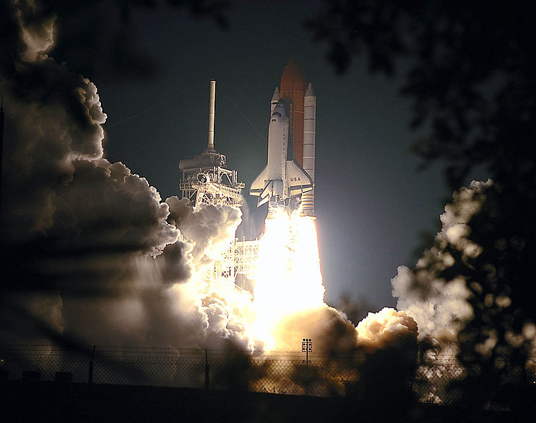Fil:STS-93 launch.jpg